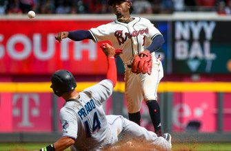 5307531bf62 Ozzie Albies, Braves agree to $35M, 7-year contract Ozzie Albies, Braves  agree to $35M, 7-year contract