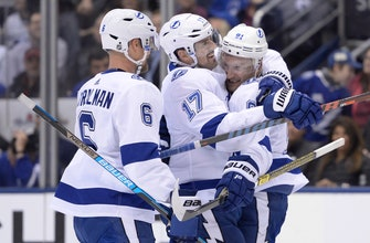 Stamkos leads Lightning over Maple Leafs 3-1