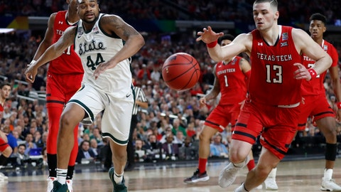 <p>               Texas Tech's Matt Mooney (13) chases a loose ball against Michigan State's Nick Ward (44) during the second half in the semifinals of the Final Four NCAA college basketball tournament, Saturday, April 6, 2019, in Minneapolis. (AP Photo/Jeff Roberson)             </p>
