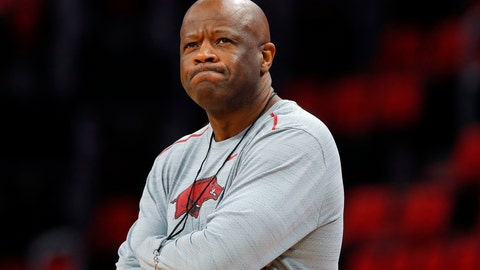 <p>               FILE - In this March 15, 2018, file photo, Arkansas head coach Mike Anderson watches practice at the NCAA college basketball tournament in Detroit. Anderson was hired as St. John's coach on Friday, April 19, 2019, after he was fired by Arkansas last month. He also had head coaching stints at Missouri and UAB before leading the Razorbacks to five postseason appearances and a 169-102 record in eight seasons. (AP Photo/Paul Sancya, File)             </p>