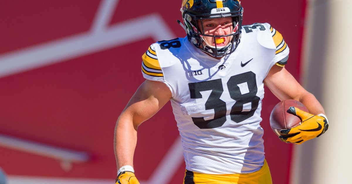 67e116a62 2 Iowa tight ends likely to go in 1st round of NFL draft | FOX Sports