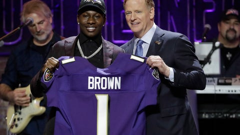 <p>               Oklahoma wide receiver Marquise Brown poses with NFL Commissioner Roger Goodell after the Baltimore Ravens Brown selected in the first round at the NFL football draft, Thursday, April 25, 2019, in Nashville, Tenn. (AP Photo/Steve Helber)             </p>