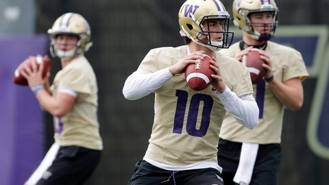 <p>               Washington quarterback Jacob Eason (10) drops to pass during the first day of spring NCAA college football practice, Wednesday, April 3, 2019, in Seattle. (AP Photo/Ted S. Warren)             </p>