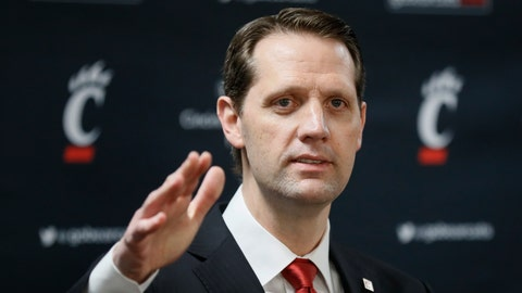 <p>               John Brannen speaks during a news conference to formally announce his hiring as Cincinnati's men's basketball coach after leading Northern Kentucky to two NCAA Tournament appearances in the last three years, Monday, April 15, 2019, in Cincinnati. Brannen replaces Mick Cronin, who left Cincinnati for the UCLA job. (AP Photo/John Minchillo)             </p>