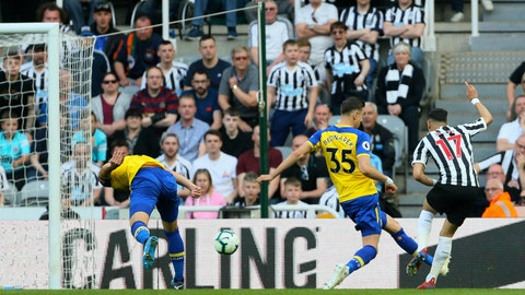 <p>               Newcastle United's Ayoze Perez, right, scores his side's first goal of the game of the game against Southampton, during their English Premier League soccer match at St James' Park in Newcastle, England, Saturday April 20, 2019. (Richard Sellers/PA via AP)             </p>