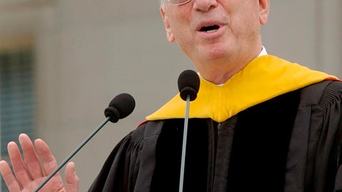 <p>               FILE - In this June, 2005, file photo, businessman Irwin Jacobs gives the commencement address at the Massachusetts Institute of Technology in Cambridge, Mass. Authorities are investigating the deaths of two people found at the Lake Minnetonka mansion of Irwin Jacobs, a prominent Minnesota businessman who once owned a minority share in the Minnesota Vikings NFL team. (AP Photo/Lisa Poole, File)             </p>