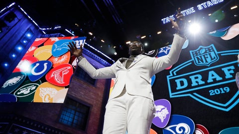 <p>               Former Dallas Cowboys player Michael Irvin speaks to the crowd ahead of the first round at the NFL football draft, Thursday, April 25, 2019, in Nashville, Tenn. (AP Photo/Mark Humphrey)             </p>