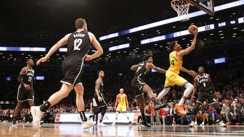 <p>               Milwaukee Bucks forward Giannis Antetokounmpo (34) drives in for a layup against Brooklyn Nets forward Ed Davis (17) during an NBA basketball game, Monday, April 1, 2019, in New York. (AP Photo/Michael Owens)             </p>