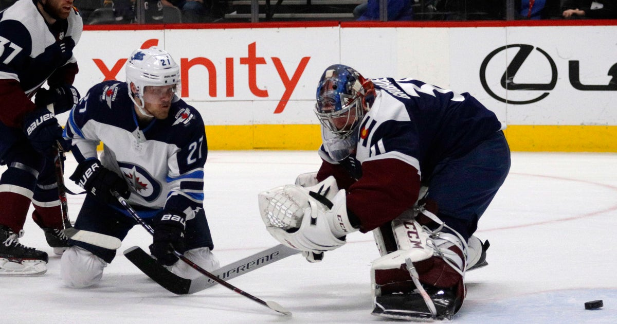 afd204039 Johnson scores in OT, Avs beat Jets 3-2 to earn playoff spot | FOX Sports