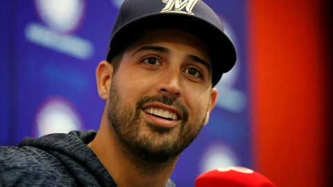 <p>               FILE - In this Aug. 31, 2018, file photo, Milwaukee Brewers pitcher Gio Gonzalez smiles during a media availability in Washington. A person familiar with the negotiations tells The Associated Press that pitcher Gio González and the Milwaukee Brewers have agreed to a one-year contract guaranteeing the 33-year-old left-hander $2 million. The person spoke on condition of anonymity Wednesday, April 24, 2019, because the agreement had not been announced. (AP Photo/Alex Brandon, File)             </p>