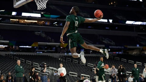 <p>               Michigan State forward Gabe Brown dunks the ball during a practice session for the semifinals of the Final Four NCAA college basketball tournament, Friday, April 5, 2019, in Minneapolis. (AP Photo/Jeff Roberson)             </p>