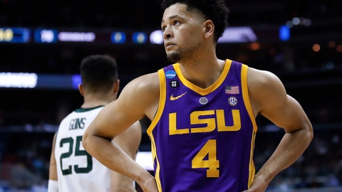 <p>               LSU guard Skylar Mays (4) looks up at the score near the end of the team's NCAA men's college basketball tournament East Regional semifinal against Michigan State in Washington, Friday, March 29, 2019. Michigan State won 80-63. (AP Photo/Alex Brandon)             </p>