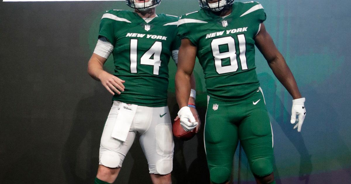 f2312ec247d Jets unveil new uniforms, tweaked logo | FOX Sports