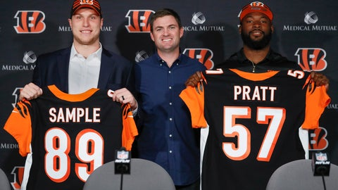 <p>               From left, Cincinnati Bengals football second round NFL draft pick Drew Sample, head coach Zac Taylor, and third round draft pick Germaine Pratt pose for a photograph during a news conference at Paul Brown Stadium, Saturday, April 27, 2019, in Cincinnati. (AP Photo/John Minchillo)             </p>