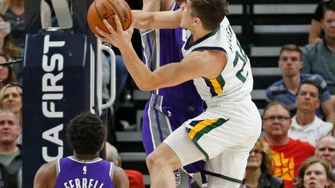<p>               Utah Jazz guard Grayson Allen (24) shoots as Sacramento Kings' Kosta Koufos, rear, defends as Yogi Ferrell (3) looks on during the first half of an NBA basketball game Friday, April 5, 2019, in Salt Lake City. (AP Photo/Rick Bowmer)             </p>