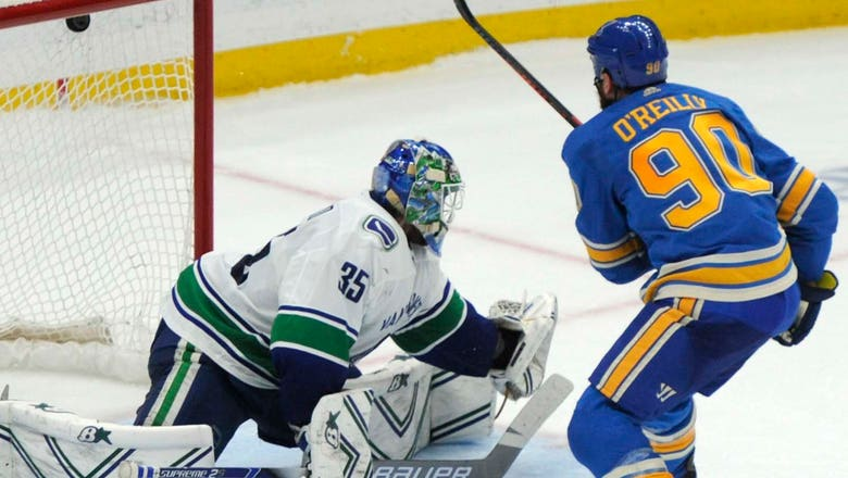Blues earn 3-2 shootout win over Canucks, to play Jets in first round