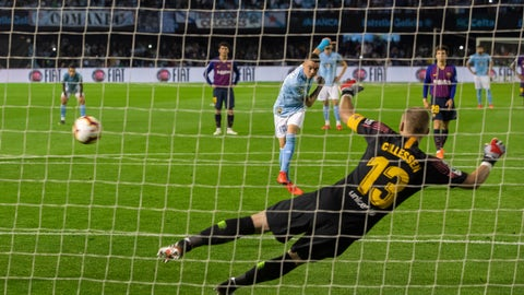 <p>               RC Celta's Iago Aspas scores their second goal on a penalty kick during a Spanish La Liga soccer match against Barcelona at the Balaidos stadium in Vigo, Spain, Saturday May 4, 2019. (AP Photo/Lalo R. Villar)             </p>