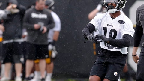 <p>               Pittsburgh Steelers 2019 third round draft pick wide receiver Dontae Johnson (18) goes through drills during NFL football rookie camp, Friday, May 10, 2019, in Pittsburgh. (AP Photo/Keith Srakocic)             </p>