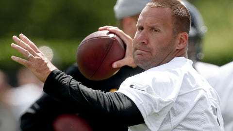 <p>               Pittsburgh Steelers quarterback Ben Roethlisberger (7) throws the ball during an NFL football practice, Tuesday, May 21, 2019, in Pittsburgh. Roethlisberger received pointed criticism from former teammates Antonio Brown and Le'Veon Bell among others during the offseason, both of whom took shots at Roethlisberger's leadership skills. Roethlisberger says the criticism bothered him but he's eager to move forward.(AP Photo/Keith Srakocic)             </p>