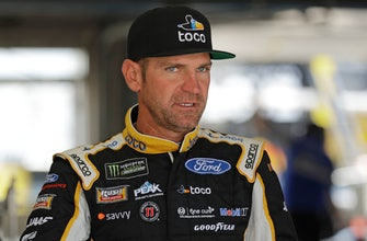 Clint Bowyer captures pole for NASCAR All-Star race