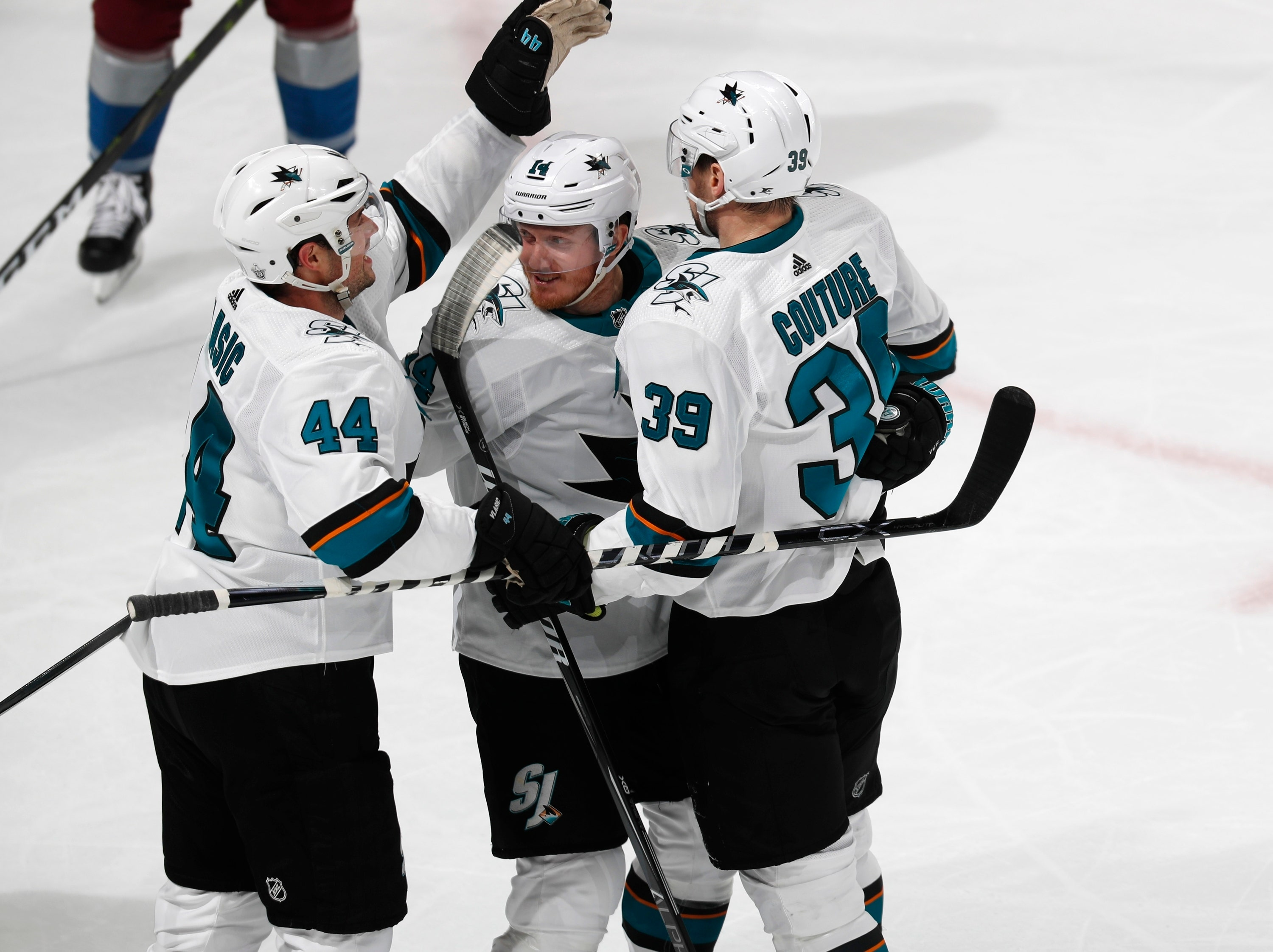 6fc944772cc Couture s hat trick leads Sharks past Avalance 4-2 in Game 3