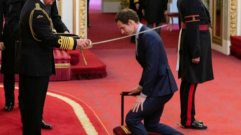 <p>               Britain's Andy Murray receives his knighthood from Prince Charles during an investiture ceremony at Buckingham Palace, London, Thursday May 16, 2019. (Dominic Lipinski/PA via AP)             </p>
