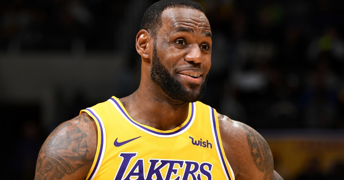 Nick Wright: LeBron actively recruiting top free agents is 'the only hope the Lakers have'