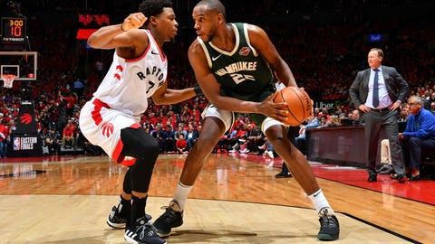 The Bucks need more of this Khris Middleton (sans one play)