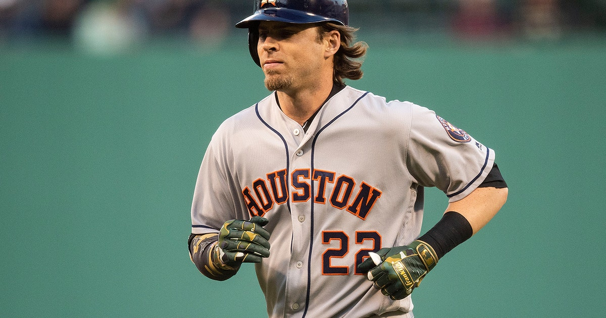 Astros continue to pour on runs with Reddick home run