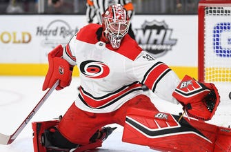 Panthers acquire netminder Scott Darling, 2020 6th round draft pick in exchange for James Reimer