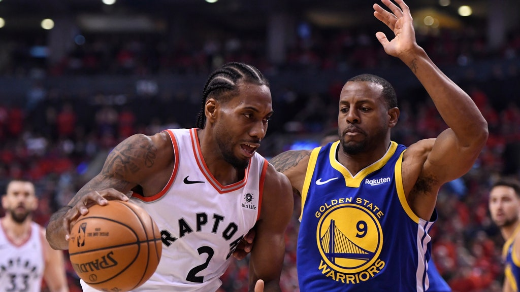 dd163a4620a Raptors earn 1st NBA title, top injured Warriors in Game 6 | FOX Sports