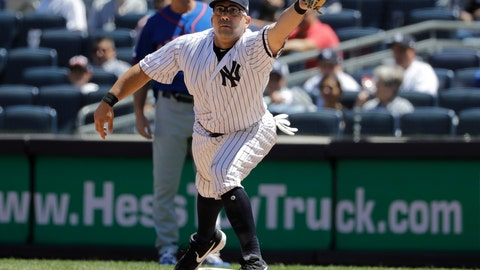 <p>               New York Yankees first baseman Kendrys Morales can't field the throw allowing New York Mets' Todd Frazier to reach first base during the fourth inning in the first baseball game of a doubleheader, Tuesday, June 11, 2019, in New York. (AP Photo/Frank Franklin II)             </p>