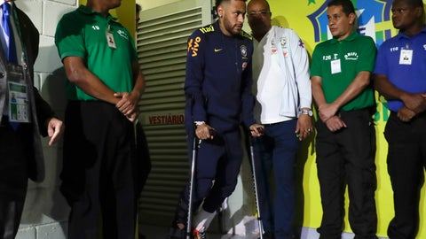 <p>               Brazil's Neymar walks out of the lockeroom using crutches after sustaining an injury during a friendly soccer match against Qatar at the Estadio Nacional in Brasilia, Brazil, Wednesday, June 5, 2019.(AP Photo/Andre Penner)             </p>