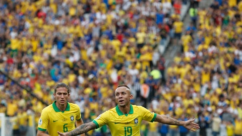 <p>               Brazil's Everton celebrates scoring his side's third goal against Peru during a Copa America Group A soccer match at the Arena Corinthians in Sao Paulo, Brazil, Saturday, June 22, 2019. (AP Photo/Victor R. Caivano)             </p>
