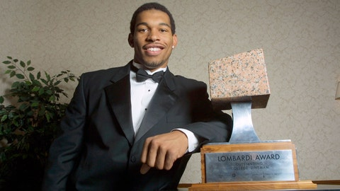 <p>               FILE - In this Dec. 5, 2001, file photo, North Carolina defensive end Julius Peppers poses with the 2001 Lombardi Award before an awards ceremony in Houston. Josh Heupel, who was the Heisman Trophy runner-up for Oklahoma in 2000, and former North Carolina pass-rushing star Julius Peppers are among 12 players making their first appearance of the College Football Hall of Fame ballot this year. (AP Photo/Michael Stravato, File)             </p>