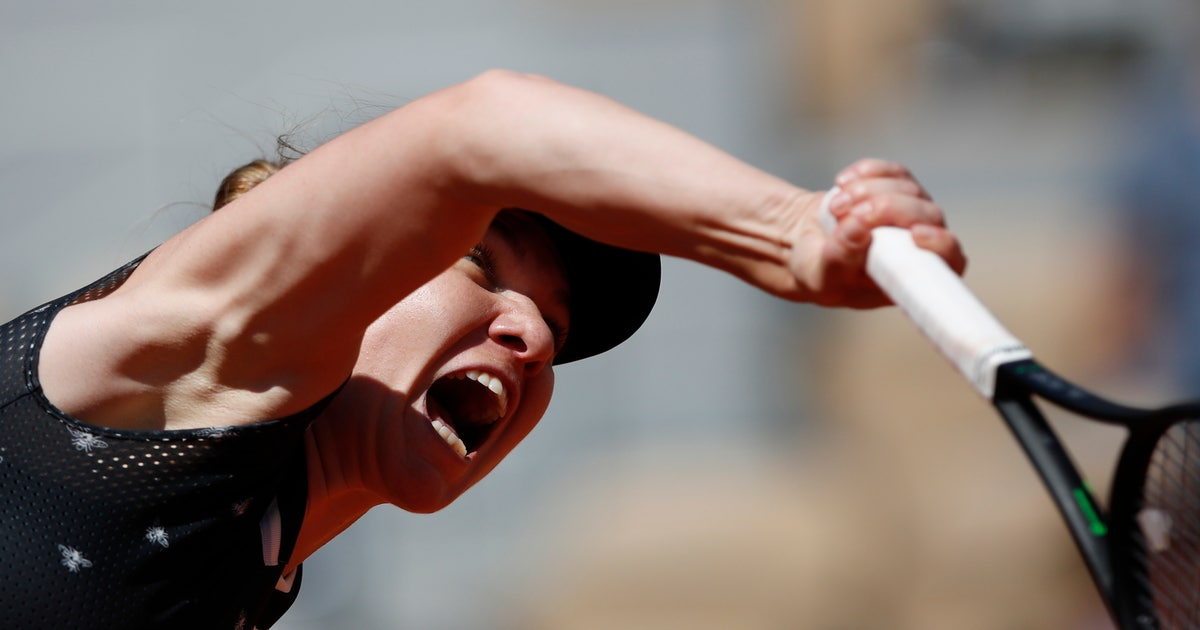 The Latest: Halep takes just 55 minutes to reach 4th round