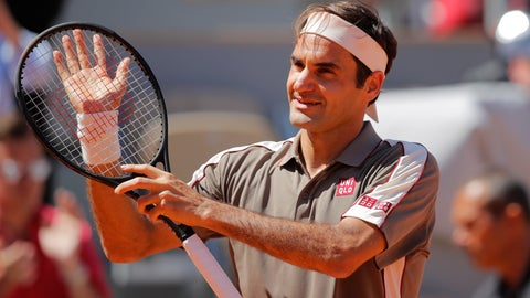 <p>               Switzerland's Roger Federer celebrates winning his fourth round match of the French Open tennis tournament against Argentina's Leonardo Mayer in three sets, 6-2, 6-3, 6-3, at the Roland Garros stadium in Paris, Sunday, June 2, 2019. (AP Photo/Michel Euler)             </p>