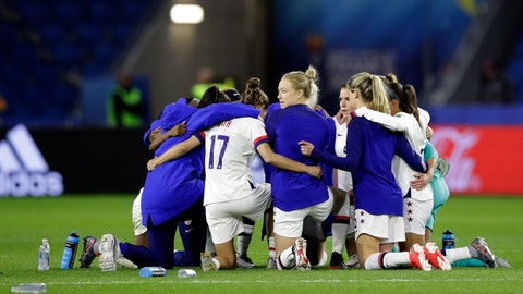 <p>               United States players embrace following their team's 2-0 win over Sweden in the Women's World Cup Group F soccer match at Stade Océane, in Le Havre, France, Thursday, June 20, 2019. (AP Photo/Alessandra Tarantino)             </p>