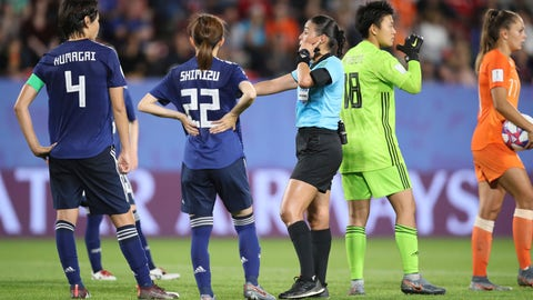 <p>               Referee Melissa Borjas, center, consults with VAR after awarding a penalty to the Dutch team during the Women's World Cup round of 16 soccer match between the Netherlands and Japan at the Roazhon Park, in Rennes, France, Tuesday, June 25, 2019. Lieke Martens scored from the spot and the Netherlands won the match 2-1. (AP Photo/David Vincent)             </p>