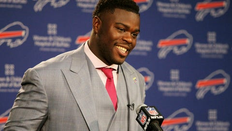 <p>               FILE - In this April 29, 2016 file photo, Buffalo Bills first round NFL football draft pick Shaq Lawson speaks at a media conference at the team facilities in Orchard Park, N.Y.  Lawson says he will pay for the funeral of an 11-year-old South Carolina girl who died after someone fired more than 35 shots at her home. News outlets report a family member announced Lawson's contribution Wednesday evening, June 26, 2019, at a vigil for Ja'Naiya Scott. Someone fired shots at the house in Anderson on Sunday morning, June 23. Ja'Naiya's 18-year-old sister and her 11-year-old cousin were also wounded.   (AP Photo/Bill Wippert, File)             </p>
