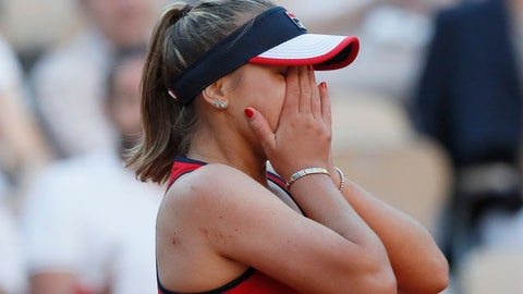<p>               Sofia Kenin of the U.S. celebrates winning her third round match of the French Open tennis tournament against Serena Williams of the U.S. in two sets 6-2, 7-5, at the Roland Garros stadium in Paris, Saturday, June 1, 2019. (AP Photo/Christophe Ena )             </p>
