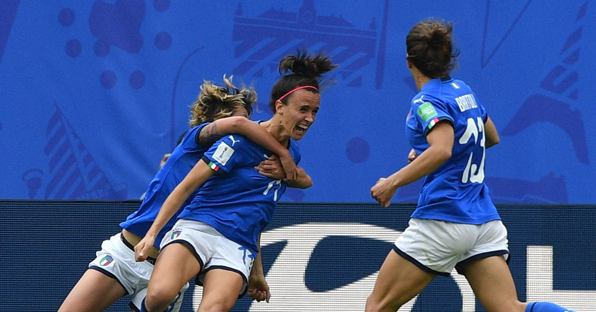 Watch Italy's last-minute, stoppage-time header to take down Australia