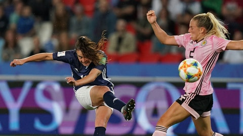 Argentina's forward Florencia Bonsegundo scores a goal during the France 2019 Women's World Cup Group D football match between Scotland and Argentina, on June 19, 2019, at the Parc des Princes stadium in Paris. (Photo by Lionel BONAVENTURE / AFP)        (Photo credit should read LIONEL BONAVENTURE/AFP/Getty Images)
