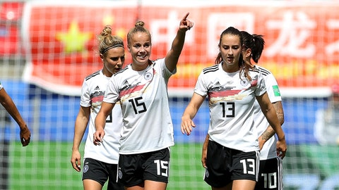 RENNES, FRANCE - JUNE 08: Giulia Gwinn of Germany celebrates with teammates after scoring her team's first goal during the 2019 FIFA Women's World Cup France group B match between Germany and China PR at Roazhon Park on June 08, 2019 in Rennes, France. (Photo by Maja Hitij/Getty Images)