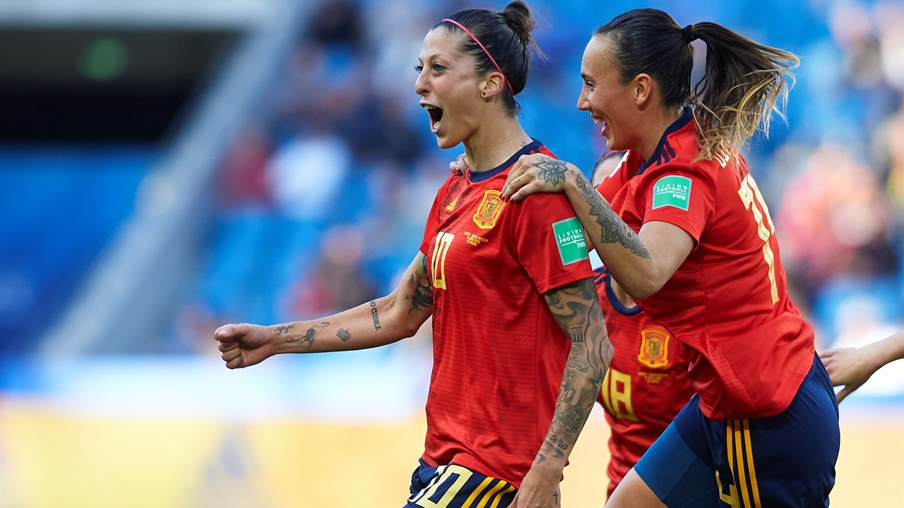 FIFA Women's World Cup™ Skill of the Day: Hermoso nifty back-heel pass