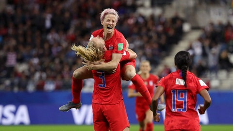 REIMS, FRANCE - JUNE 11: Samantha Mewis of the USA celebrates with teammates after scoring her team's fourth goal during the 2019 FIFA Women's World Cup France group F match between USA and Thailand at Stade Auguste Delaune on June 11, 2019 in Reims, France. (Photo by Robert Cianflone/Getty Images)