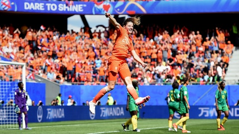 VALENCIENNES, FRANCE - JUNE 15: Dominique Bloodworth of the Netherlands celebrates after scoring her team's second goal during the 2019 FIFA Women's World Cup France group E match between Netherlands and Cameroon at Stade du Hainaut on June 15, 2019 in Valenciennes, France. (Photo by Alex Caparros - FIFA/FIFA via Getty Images)
