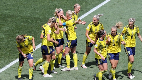 NICE, FRANCE - JUNE 16: Linda Sembrant of Sweden celebrates with teammates after scoring her team's first goal during the 2019 FIFA Women's World Cup France group F match between Sweden and Thailand at Stade de Nice on June 16, 2019 in Nice, France. (Photo by Elsa/Getty Images)