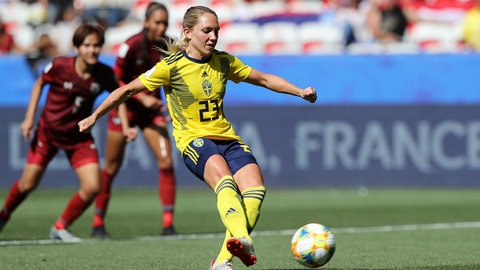 NICE, FRANCE - JUNE 16: Elin Rubensson of Sweden scores a penalty for her team's fifth goal during the 2019 FIFA Women's World Cup France group F match between Sweden and Thailand at Stade de Nice on June 16, 2019 in Nice, France. (Photo by Elsa/Getty Images)
