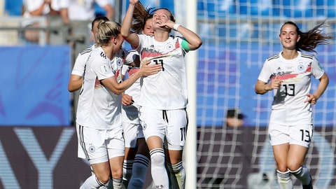 MONTPELLIER, FRANCE - JUNE 17: Alexandra Popp of Germany celebrates with teammates after scoring her team's third goal during the 2019 FIFA Women's World Cup France group B match between South Africa and Germany at Stade de la Mosson on June 17, 2019 in Montpellier, France. (Photo by Maja Hitij/Getty Images)